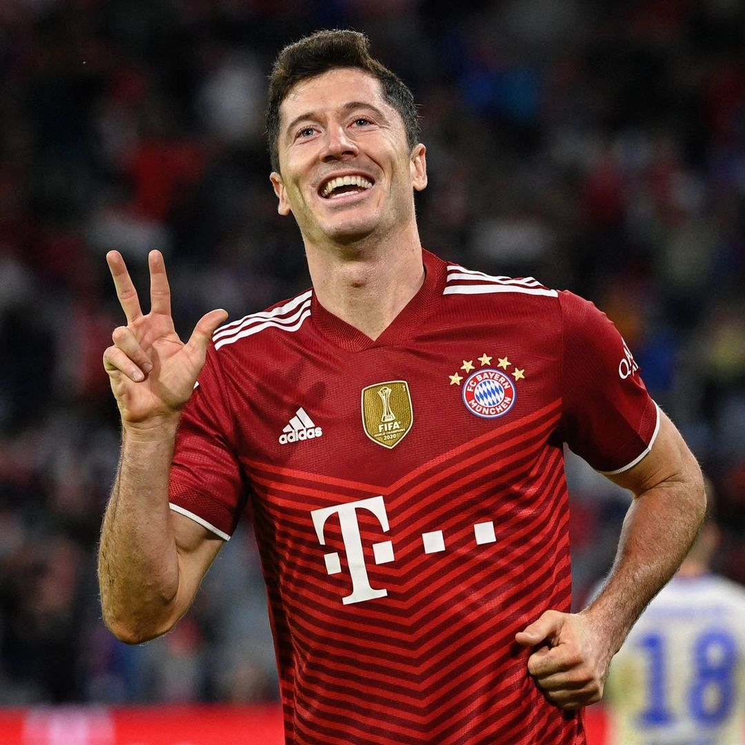 Lewy = hat-trick hero   301 goals for Bayern in 333 games    ...