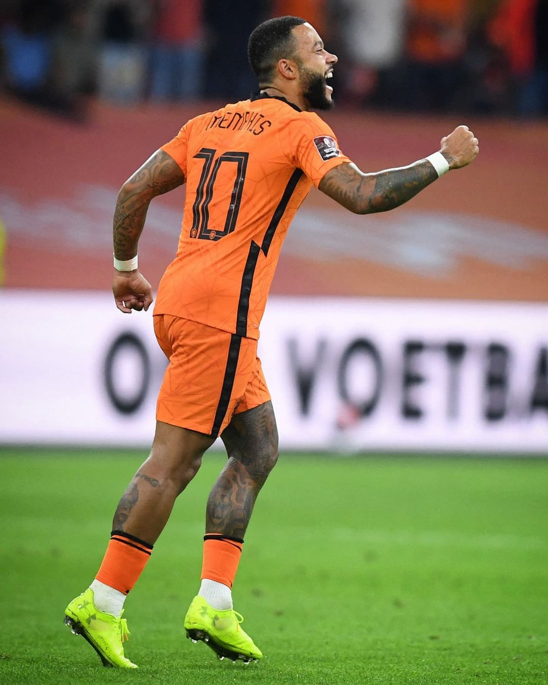 Magic Memphis!  Sum up this Dutch display in one word   ...