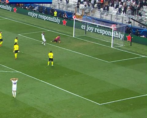 Kobel OR Maignan: which heroic save is your favourite?    | ...