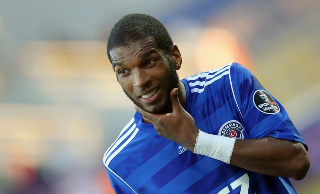 besiktas-ta-hedef-ryan-babel
