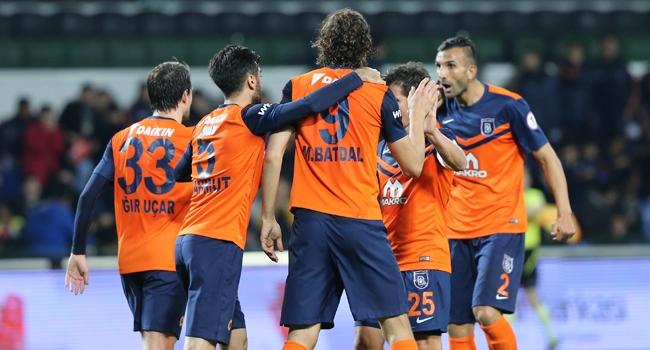 Başakşehir 4 golle tur atladı