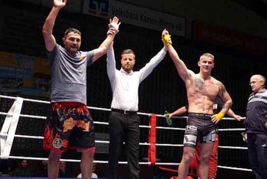 Senol Cetin zeigt immer noch beachtliche Kickboxfähigkeiten