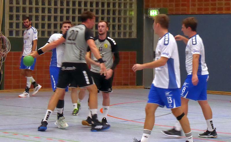 Handball-Bezirksliga: SGH gewinnt das Topspiel beim VfL und bleibt Tabellenführer