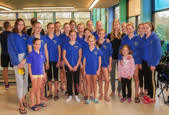 Schwimmfreunde-Mädchen beim Bezirksfinale