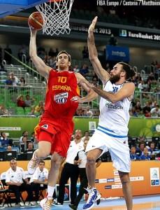 Gigi Datome autore della stoppata e dei punti decisivi nell'overtime contro la Spagna a Eurobasket 2013 (foto FIBA Europe / Castoria / Matthaios)