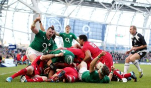 Cian Healy celebrates as Chris Henry scores a try 8/2/2014