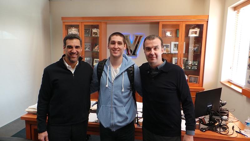 Nella foto allegata, da sinistra Jay Wright, coach di Villanova, Ryan Arcidiacono e il ct Pianigiani