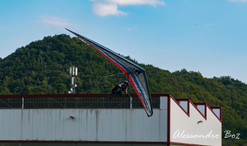 """Alex Ploner sul podio della """"Spring Meeting"""" di deltaplano"""