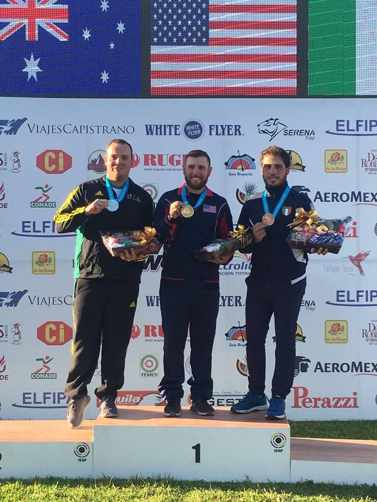 Il podio della World Cup di Guadalajara con Hancock, Adams e Cassandro