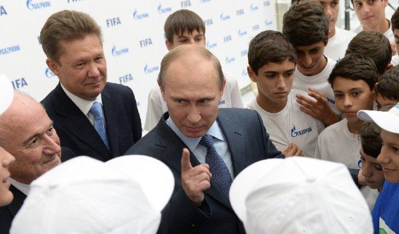 FIFA und Gazprom schließen Partnerschaft 2015 bis 2018 6