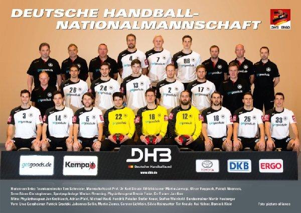 Deutsche Handball-Nationalmannschaft der Männer mit Bundestrainer Martin Heuberger - Foto: DHB/picture-alliance