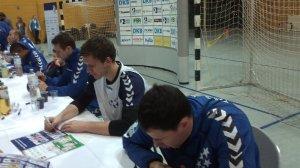 All-Star-Game: Bundesliga-All-Stars Michael Knudsen, Niklas Landin und Marko Vujin während der Autogrammstunde am 01.02.2014 in Leipzig - Foto: SPORT4Final
