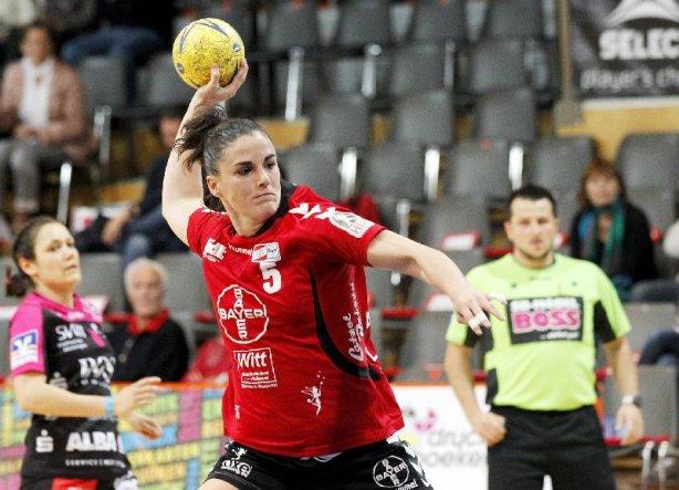 Handball-Bundesliga am 12.04.2014 - Bayer Leverkusen vs. TuS Metzingen 31:27 in der Smidt-Arena in Leverkusen - Naira Extremado (5) - Foto: Ralf Kardes