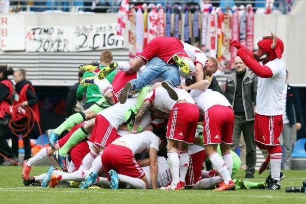 RB Leipzig vs. 1. FC Saarbrücken 5:1 - Aufstiegsfreude - Foto: GEPA pictures/Roger Petzsche