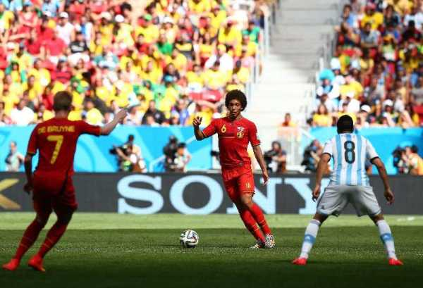 FIFA WM 2014: Argentiniens kompakter Erfolgs-Fußball besiegt souverän Belgien bei sehr guter Schiedsrichterleistung - Axel Witsel of Belgium in action during the 2014 FIFA World Cup Brazil Quarter Final match between Argentina and Belgium at Estadio Nacional on July 5, 2014 in Brasilia, Brazil. (Photo by Ronald Martinez/Getty Images for Sony)