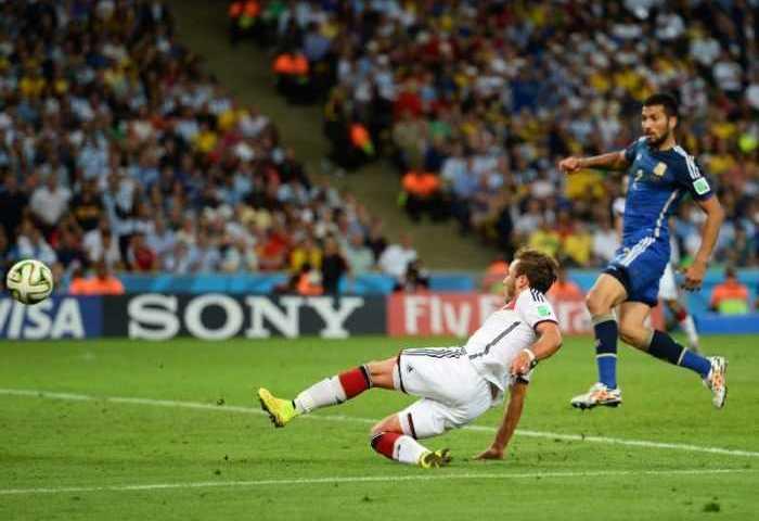 """Fußball WM 2014: Vierter Weltmeister-Stern für Deutschland nach genialem Götze-Moment – Lionel Messi mit """"Goldenem Ball"""" 9"""