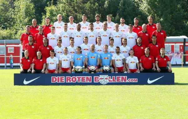DFL, 2. Deutsche Bundesliga, RasenBallsport Leipzig, team photo shooting. Image shows the team of RB Leipzig - Photo: GEPA pictures/ Roger Petzsche