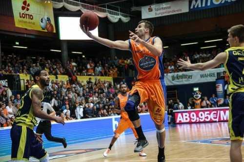 Mitteldeutscher Basketball Club reist als Außenseiter ins Artland - MBC-Routinier Simonas Serapinas - Foto: Matthias Kuch