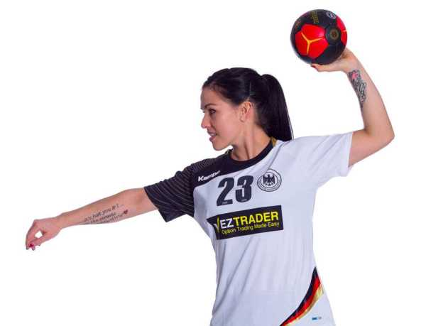 "Handball-EM 2014: ""Matchplayerin"" gegen Schweden Svenja Huber - Foto: DHB/Sascha Klahn"