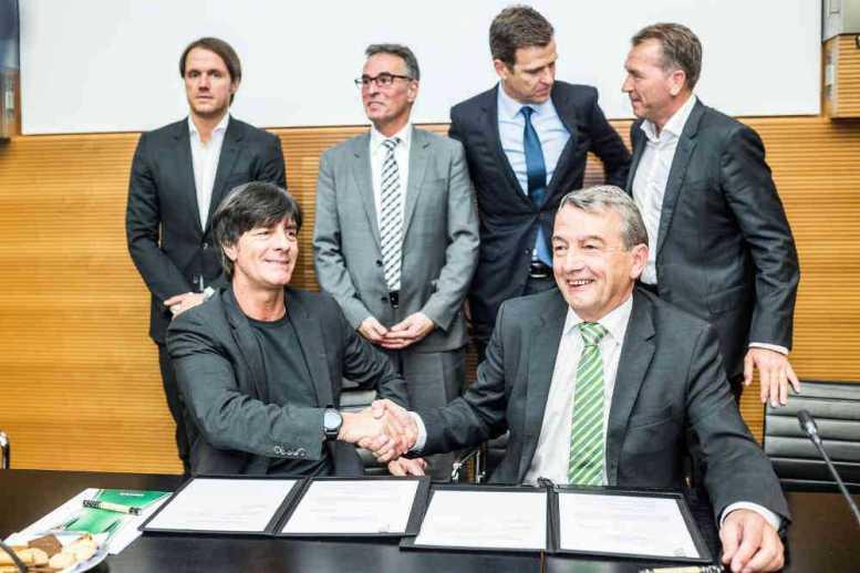 Joachim Löw bleibt dem DFB treu - Vertragsverlängerung bis 2018 - Foto: Getty Images