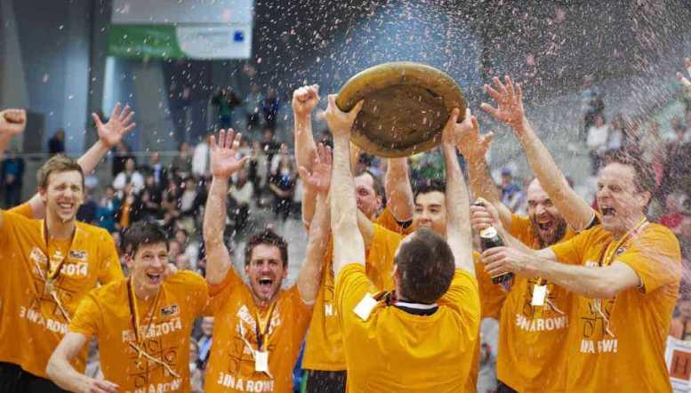 Champions League Final Four: BR Volleys freuen sich über die Deutsche Meisterschaft 2014 - Foto: Günter Kram
