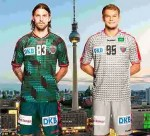Fredrik Petersen und Paul Drux - Füchse Berlin mit neuen Trikots für Saison 2015/2016 - Foto: Füchse Berlin