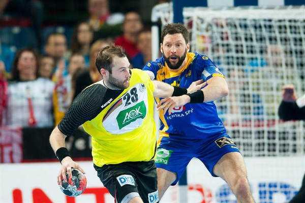 """Handball EM 2016: Mattias Andersson und Tobias Karlsson """"Bittere Niederlage"""" - Steffen Fäth und Tobias Karlsson - Foto: ZPRP / EHF"""