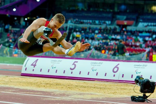 Markus Rehm in London 2012 - Paralympics Rio 2016: Markus Rehm deutscher Fahnenträger - Foto: Ralf Kuckuck, DBS-Akademie