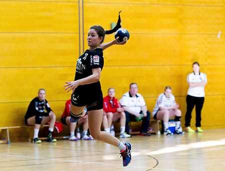 Handball 3.Liga, HC Leipzig Junior-Team - HSG Blomberg-Lippe II am 01.11.2015 in Leipzig - Lea Guderian (17) - Foto: Sebastian Brauner