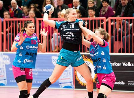 Handball EHF-Cup, TuS Metzingen vs. HC Leipzig am 19.02.2016 in Tübingen - Saskia Lang (18) - Foto: Sebastian Brauner