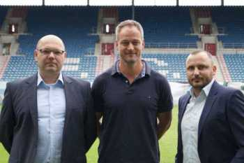 FC Hansa Rostock: Christian Hüneburg (Finanzen und Verwaltung), Rene Schneider (Sport) und Robert Marien (Vorstandsvorsitzender - v.l.n.r.) - Foto: FC Hansa Rostock