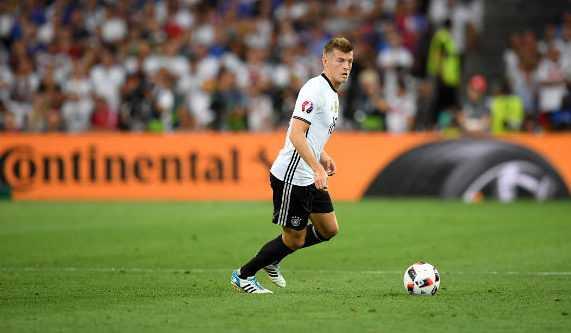 Toni Kroos (Deutschland) – Fußball EM 2016: UEFA EURO Halbfinalspiel zwischen Deutschland und Frankreich im Stade Velodrome am 7. Juli 2016 in Marseille, Frankreich. Foto: Matthias Hangst / Getty Images