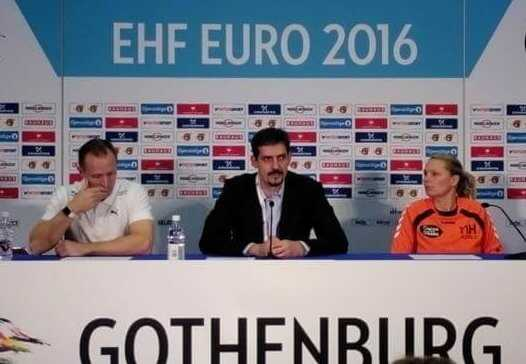 Handball EM 2016 – Trainer vor dem Halbfinale: Klavs Bruun Jörgensen (Dänemark) und Helle Thomsen (Niederlande) - Foto: SPORT4FINAL