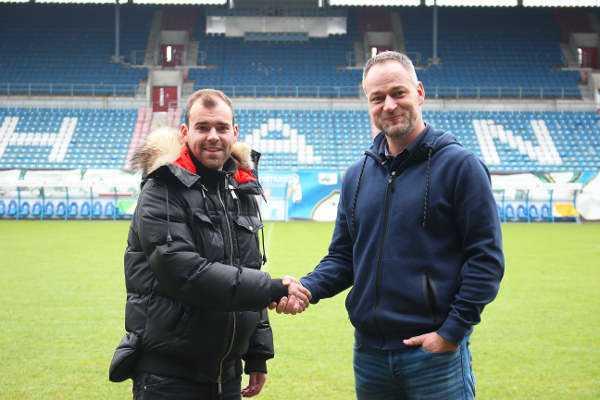 Amaury Bischoff und Hansa-Sportdirektor Rene Schneider - FC Hansa Rostock verpflichtete Amaury Bischoff - Foto: FC Hansa Rostock