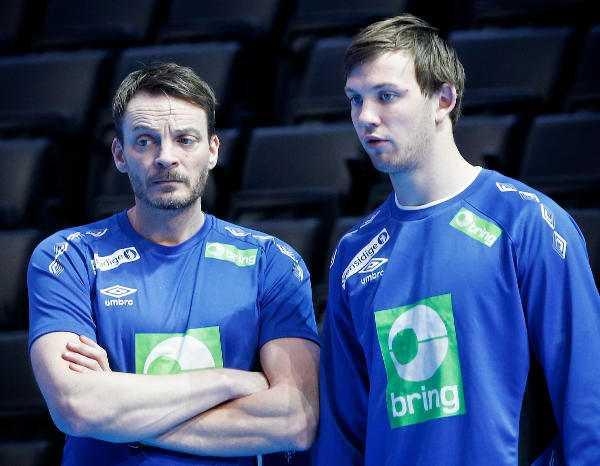 Coach Christian Berge und Sander Sagosen - Handball WM 2017: Finalist Norwegen - Foto-Impressionen vom Training - Foto: Joachim Schuetz (http://www.stregspiller.com)