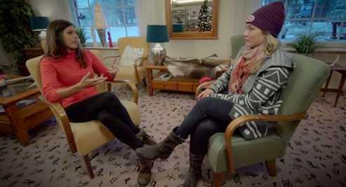 Mikaela Shiffrin (r.) im Gespräch mit Christina Macfarlane (l.) - Foto: CNN International Alpine Edge