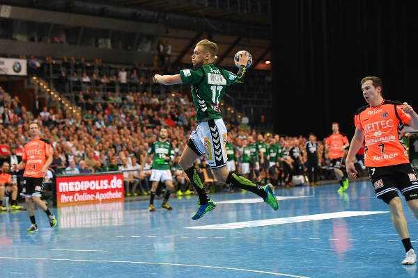 """Marvin Sommer - SC DHfK Leipzig bezwang HC Erlangen. Marvin Sommer und Jens Vortmann """"Matchplayer"""" - Foto: Rainer Justen"""