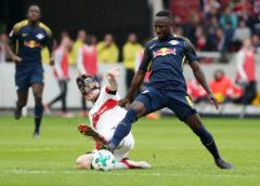Fußball Bundesliga, VfB Stuttgart vs. RasenBallsport Leipzig - Christian Gentner (Stuttgart) und Naby Keita (RB Leipzig) - Foto: GEPA pictures/Roger Petzsche