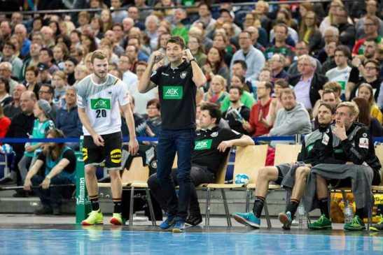 Handball WM: Bundestrainer Christian Prokop und DHfK-Nationalspieler Philipp Weber - Foto: Karsten Mann