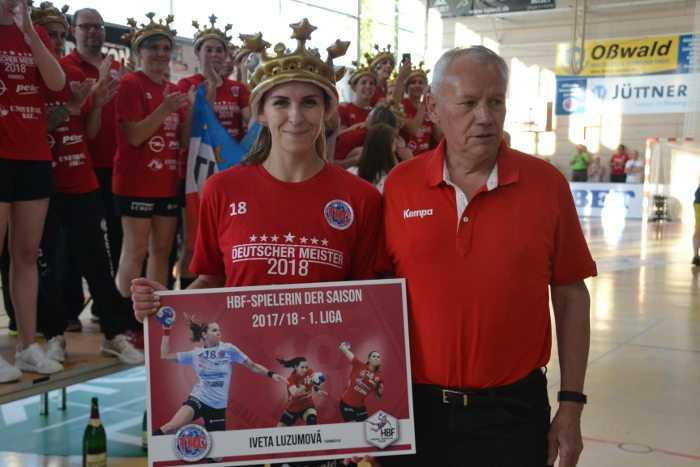 Iveta Luzumova (Thüringer HC) und Berndt Dugall (HBF-Vorsitzender) - Foto: Hans-Joachim Steinbach