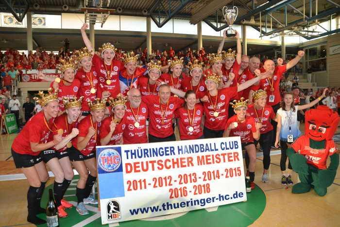 Thüringer HC - Deutscher Meister - Handball Bundesliga Frauen (HBF) - Foto: Hans-Joachim Steinbach