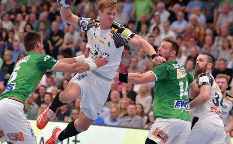 Niclas Pieczkowski - SC DHfK Leipzig vs. Frisch Auf Göppingen - Foto: Rainer Justen
