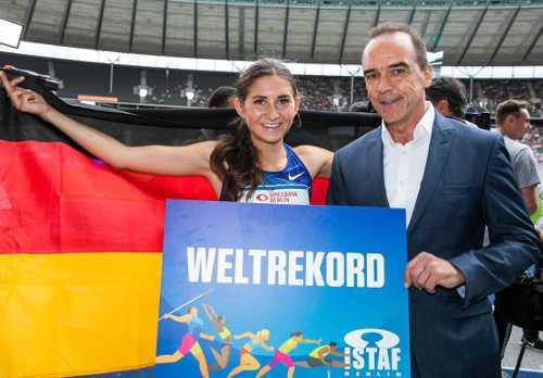 ISTAF 2019: Gerhard Wilhelm mit Weltrekordlerin Gesa Felicitas Krause. Foto: Dirk Lässig