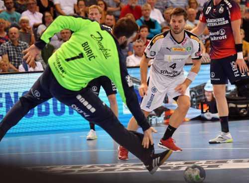 SG Flensburg-Handewitt vs. SC DHfK Leipzig - Benjamin Buric und Patrick Wiesmach - Foto: Rainer Justen