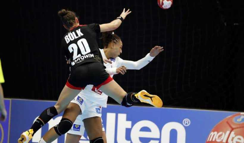 Handball WM 2019 - Emily Bölk - Frankreich vs. Deutschland - Copyright: IHF
