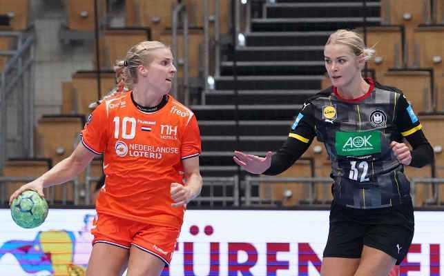 Handball Deutschland vs. Niederlande am 01.10.2020 - Danick Snelder und Shenia Minevskaja - Foto: NHV