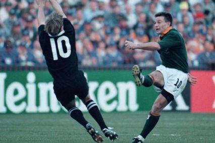 Joel Stransky kicking drop goal