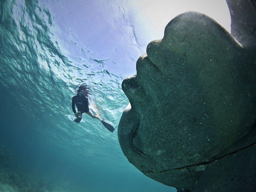 ocean-atlas-jason-decaires-taylor-nassau-bahamas-004_jason-decaires-taylor_sculpture
