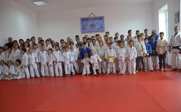 """Ziua Mondială a Judoului, sărbătorită la Ghioroc: """"Pentru promovarea valorilor"""""""