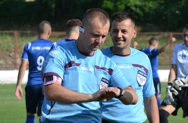 Meciurile și arbitrii etapei a 27-a în Liga a IV-a Arad: Pecica poate obține punctul ce o face campioană cu Deac la centru, Jurcă - la derby-ul weekendului